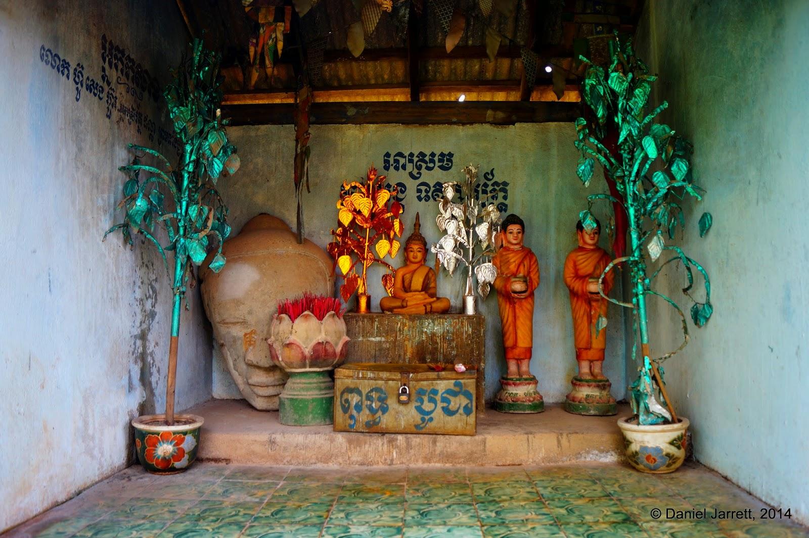 Seated Buddha, Phnom Oudong, Cambodia