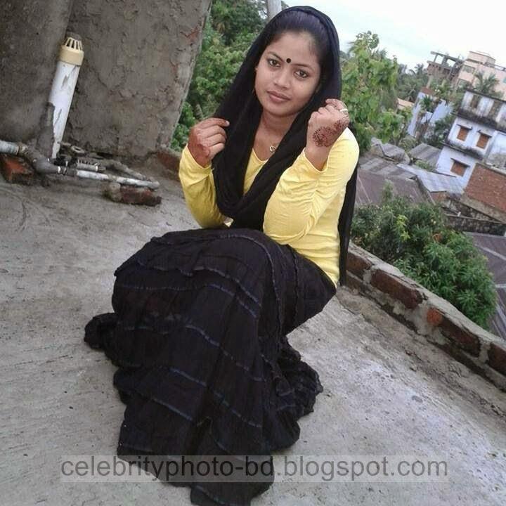 Deshi+Hottest+Girls+Show+Photos003