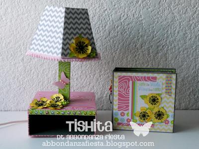 http://abbondanzafiesta.blogspot.mx/2015/10/mini-album-con-sorpresa.html