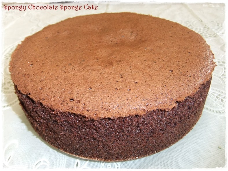 Tested tasted spongy chocolate sponge cake for Chocolate sponge ingredients