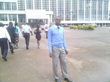 Moi au palais des congrès de Yaoundé