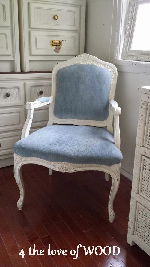 FRENCH ARM CHAIR   Blue And White