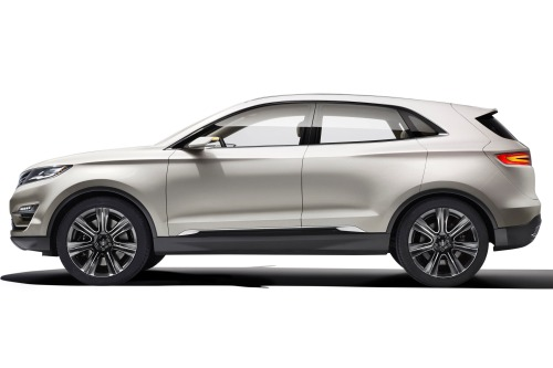 2015 Lincoln MKC /edmunds.com