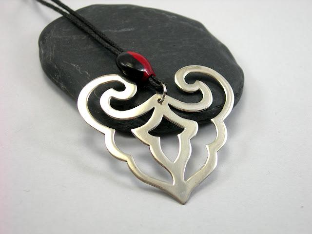 heart-pendant - sterling silver by Ligia Rocha
