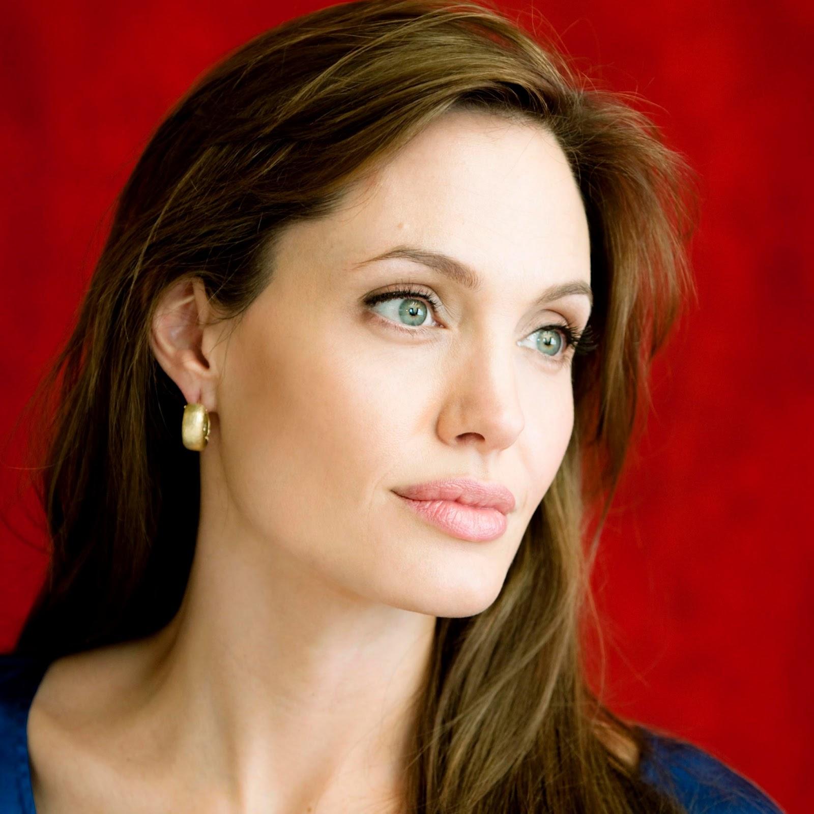 http://2.bp.blogspot.com/-2g33Udx1XkM/UWGiqkexnDI/AAAAAAAACls/7hSaekyPOa0/s1600/Angelina+Jolie+latest+new+fresh+(1).jpg