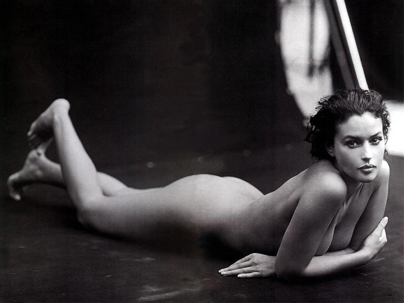 Смотреть эротика с моники белуччи бесплатно 12 фотография