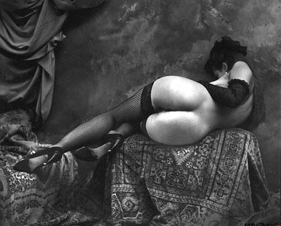 imponente trasero en una fotografía de Jan Saudek