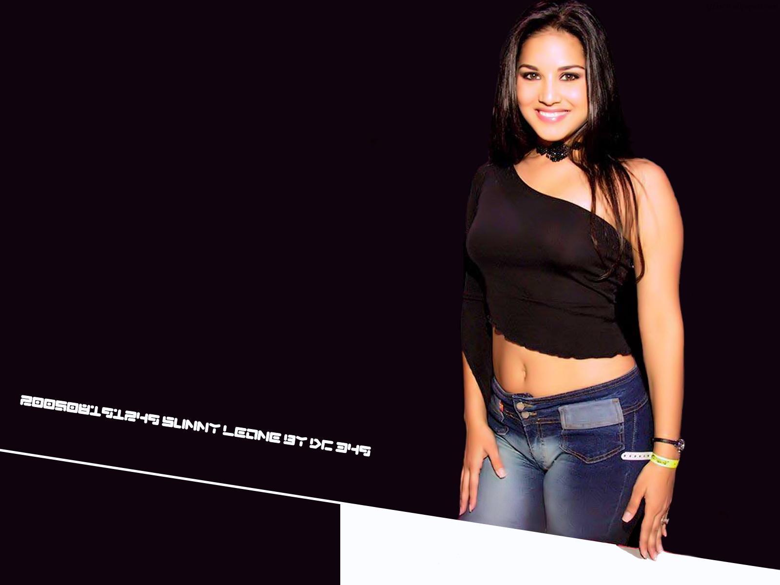 Sunny Leone Glamorous Model Wallpaper-01-1600x1200