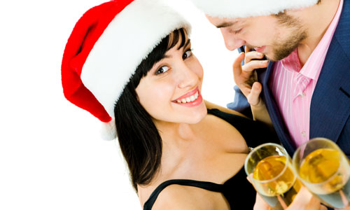 6 Tips to Make this Christmas Special for Her,man woman whiskey vodka alcohol drinks santa