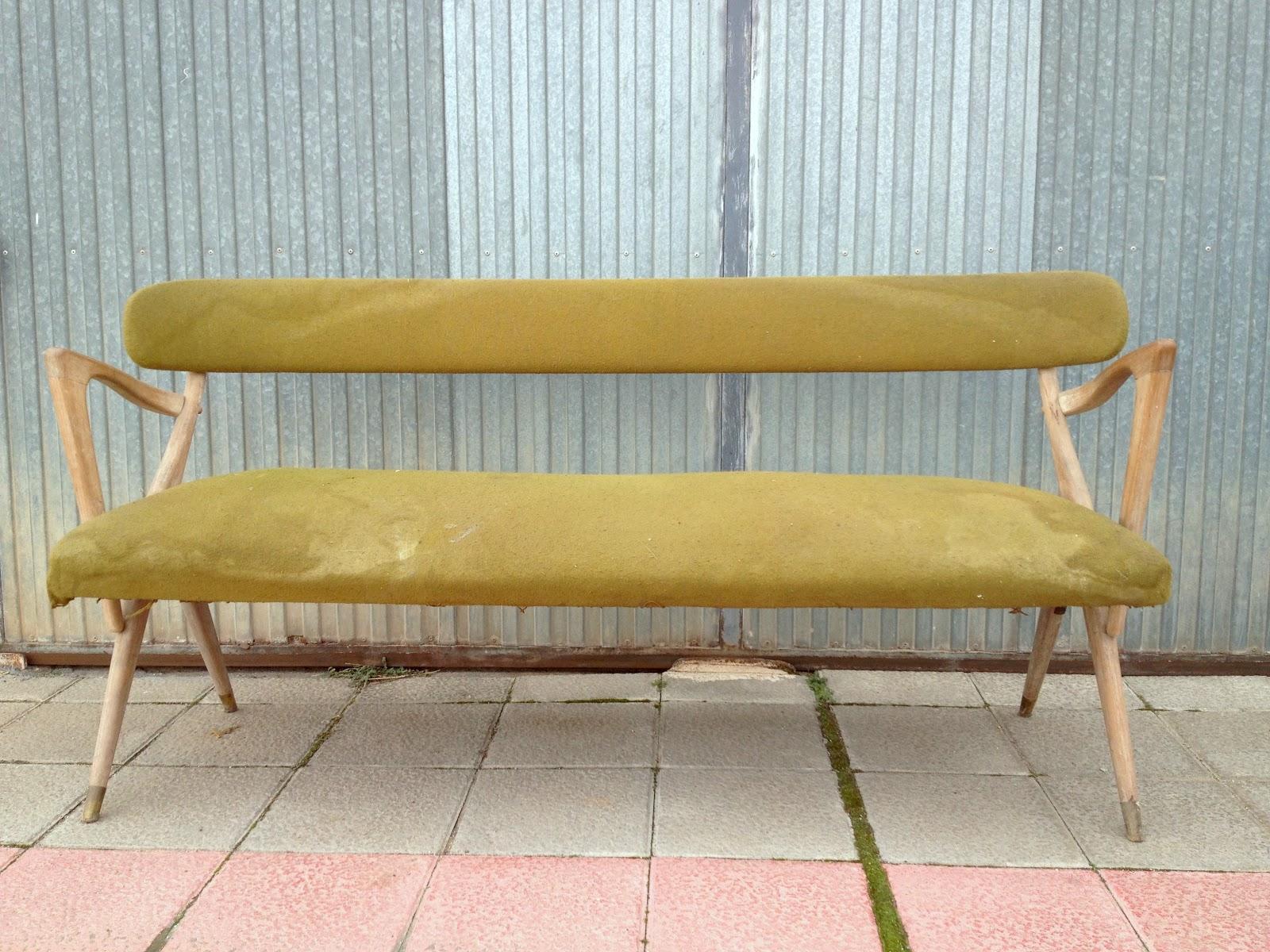 Restaurando sofa y sillas nordicas chachi chachi chachi for Reparar sofa polipiel