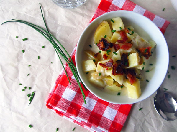 Cheesy Loaded Baked Potato Soup with Bacon and Chives