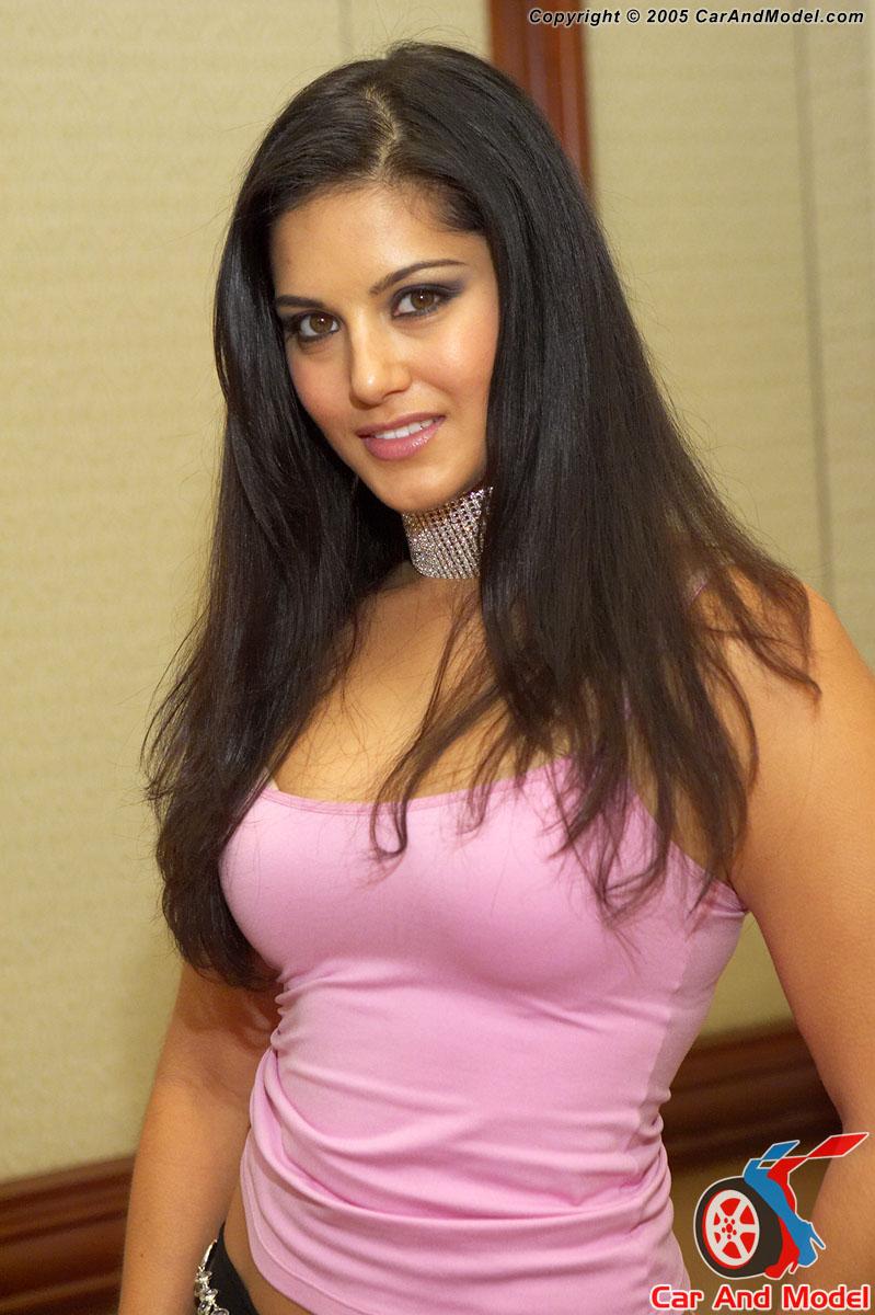 Porn Star Sunny Leone 86
