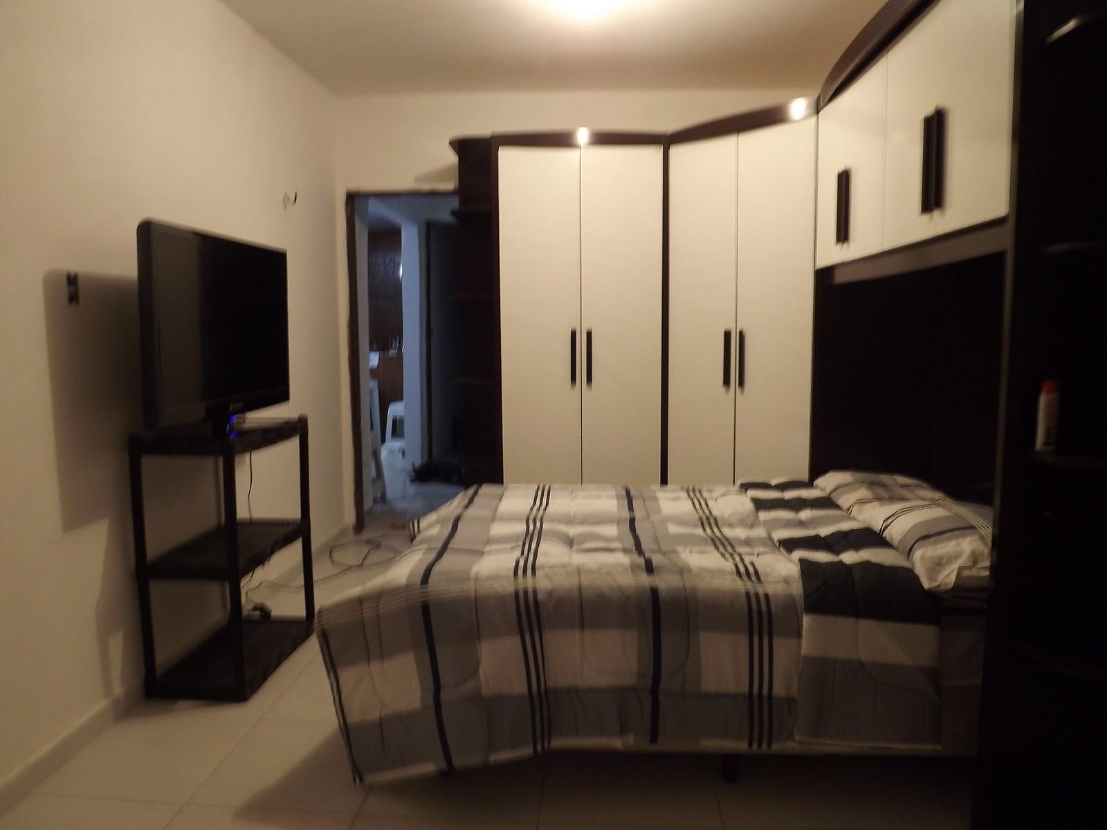 Uma casa para nós dois!: Quarto de casal longe do ideal #9E6F2D 1600 1200