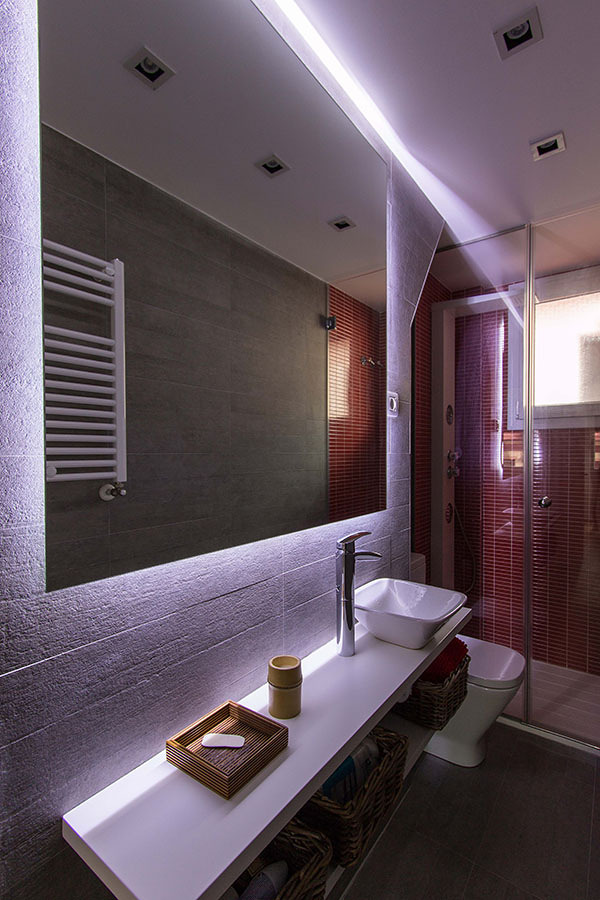 Marzua una vivienda de 47 m2 bien aprovechados - Iluminacion bano led ...