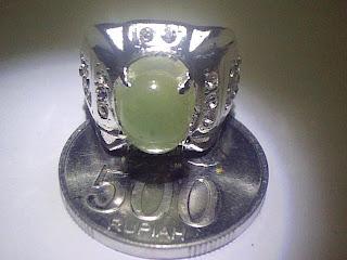 Batu Cincin Zamrud Rusia