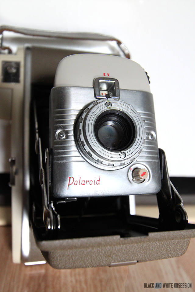 #thriftscorethursday Week 27 Polaroid Land Camera | www.blackandwhiteobsession.com