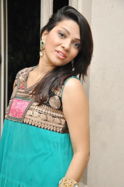 Cute and fair Parinidhi latest photo stills