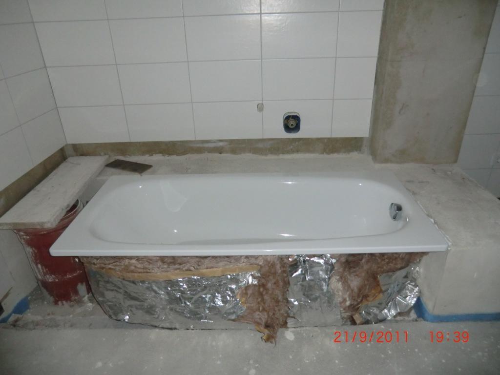 jenny und stefan bauen ein haus heizk rper und badewanne. Black Bedroom Furniture Sets. Home Design Ideas