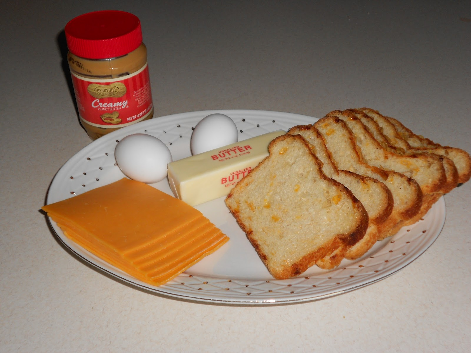 The hot egg melted not only the cheese, but also the peanutbutter ...