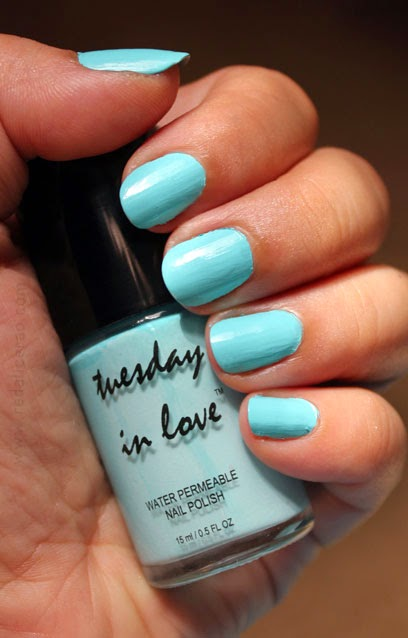 Tuesday in Love, Beauty product, halal nail polish, water permeable nail polish, halal or not, beauty blog, fashion and beauty blog, pakistani beauty and makeup blog, redalicerao, red alice rao, blogspot, makeup, nail polish, Tiffany Blue, Tiffany Blue Nail Polish