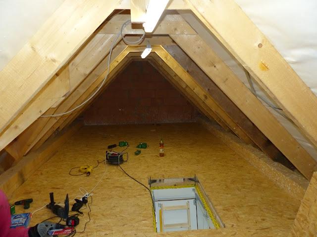 ein fels ein weg ein haus noch mal der dachboden und die garagenfundamente. Black Bedroom Furniture Sets. Home Design Ideas