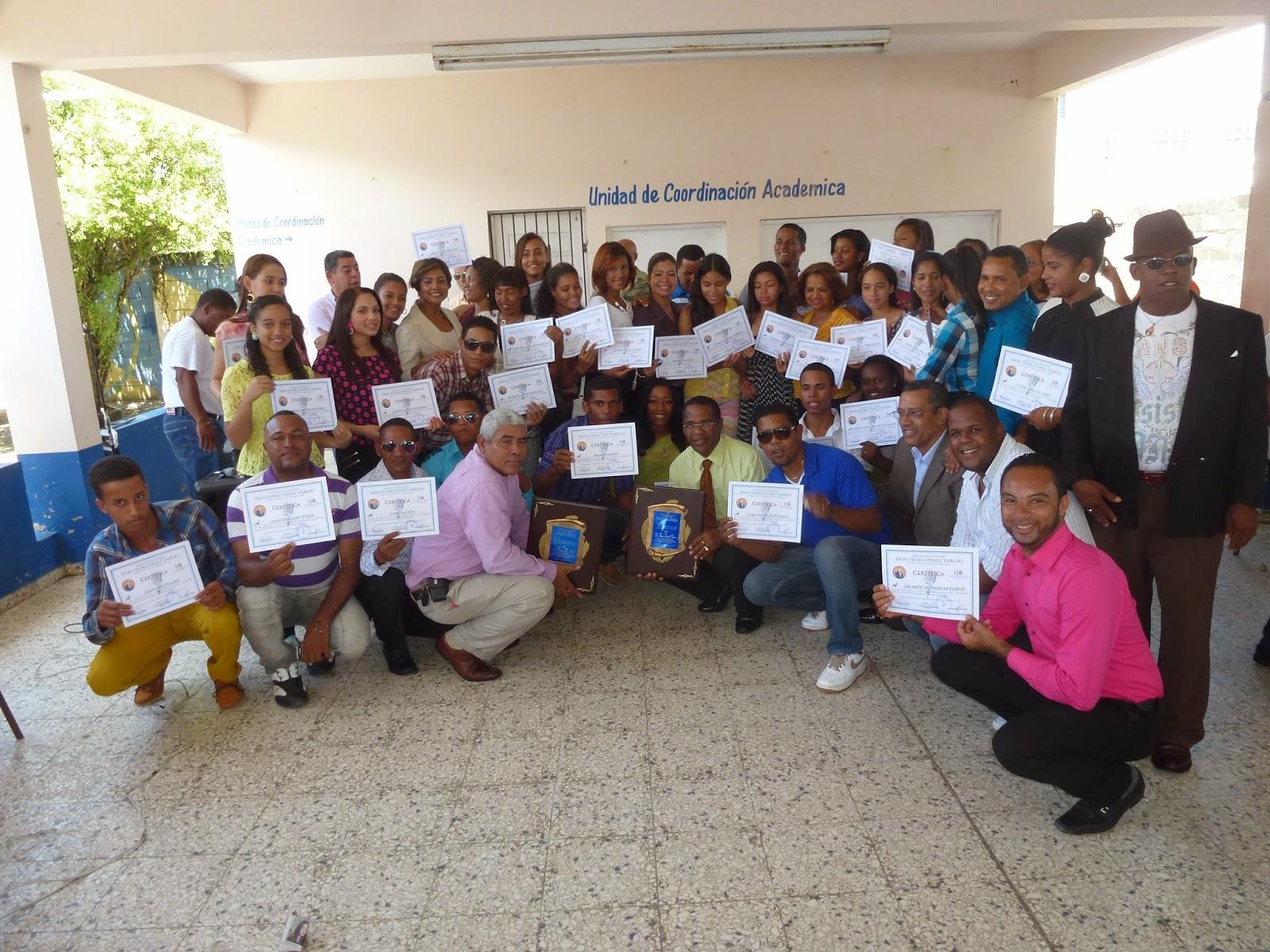 Escuela de locución Don Pedro Pérez Vargas entrega certificados promoción 2014
