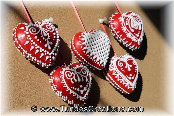 3D gingerbread hearts