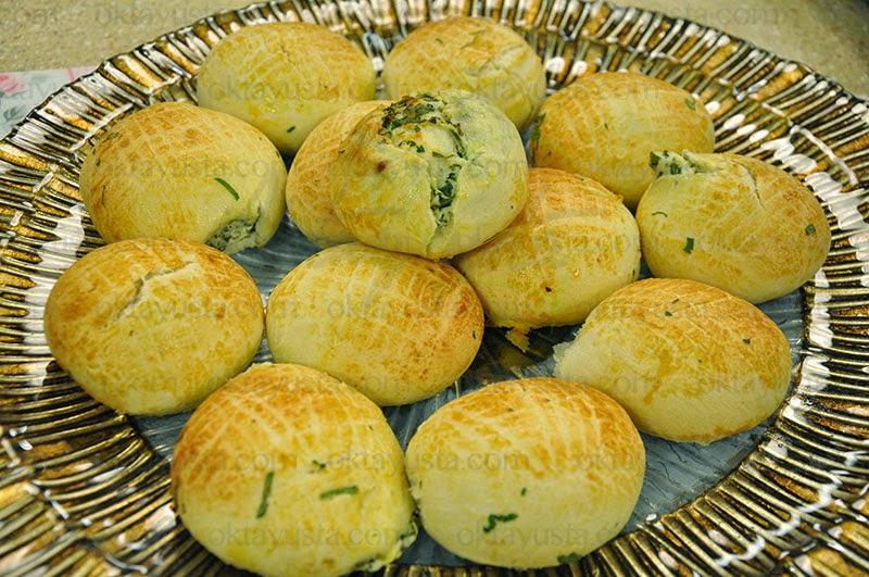 Peynirli Pastane Poğaçası Tarifi Kolay Yapımı