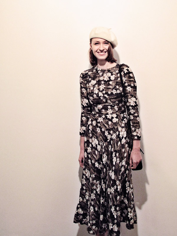 Street Fashion, Student Film-maker, Floral sepia print dress and white beret, Roslyn Oxley9