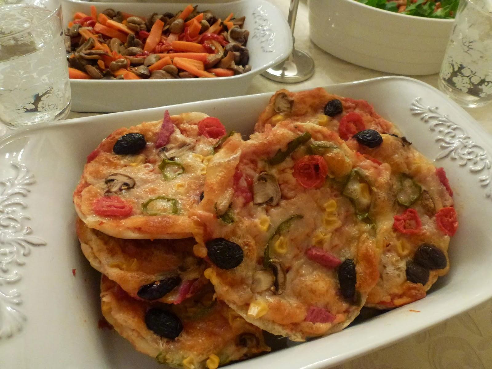 Pratik Pizza / Pizza Nasıl Yapılır?Ekşi mayalı Karadeniz Ekmeğiyle Pizza/ Bazlama Pizza