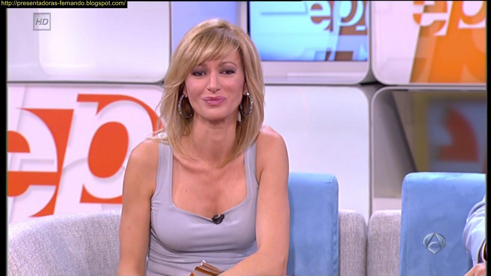 Presentadoras fernando susana griso marcando escote en camiseta 27 9 2011 - Espejo publico hoy ...