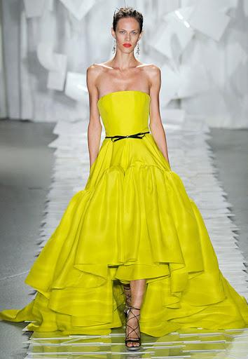 Дълга жълта рокля с големи волани на Jason Wu
