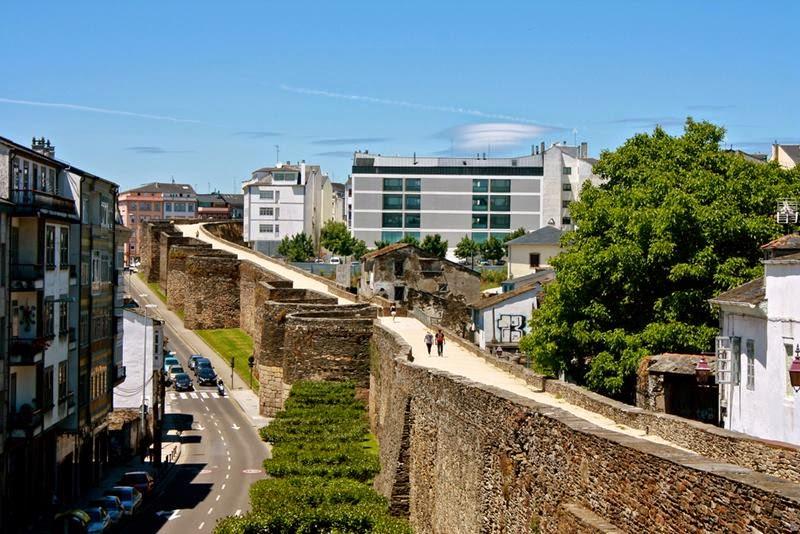 Roman wall / Muralla romana, Lugo