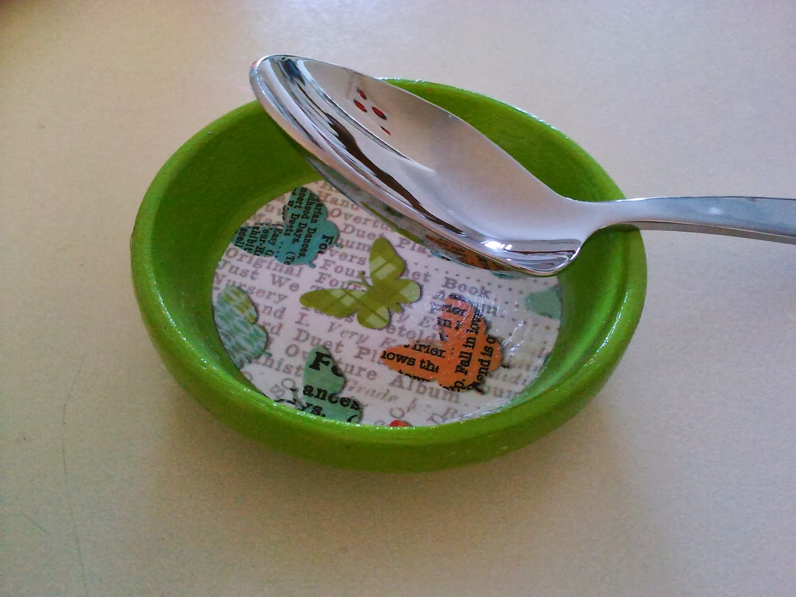 http://carynska.blogspot.com/2014/01/diy-spoon-rest.html