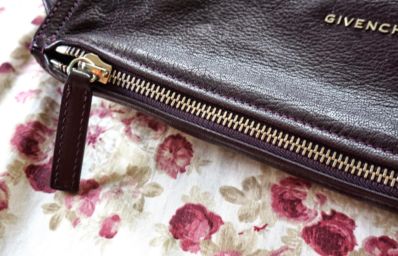 597fc73e01ed Here s a semi-close-up shot of the zipper. The zippers of Pandora 1 feel a  little  stuffed
