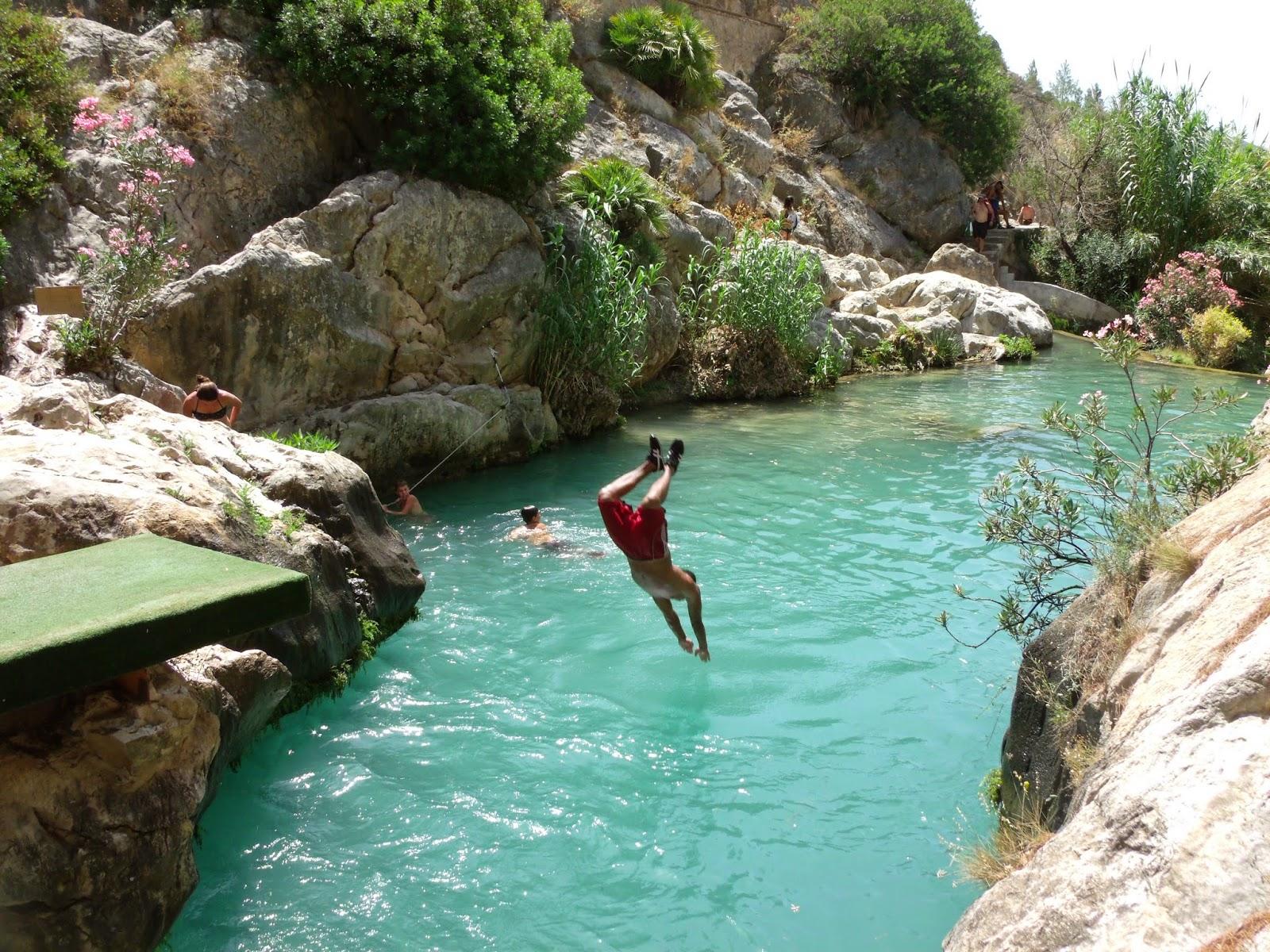 8 sitios donde poder ba arte en las monta as de alicante for Cubas de agua para llenar piscinas