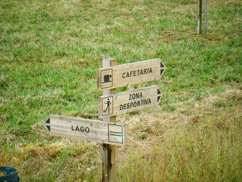 placas de sinalização das zonas do Parque