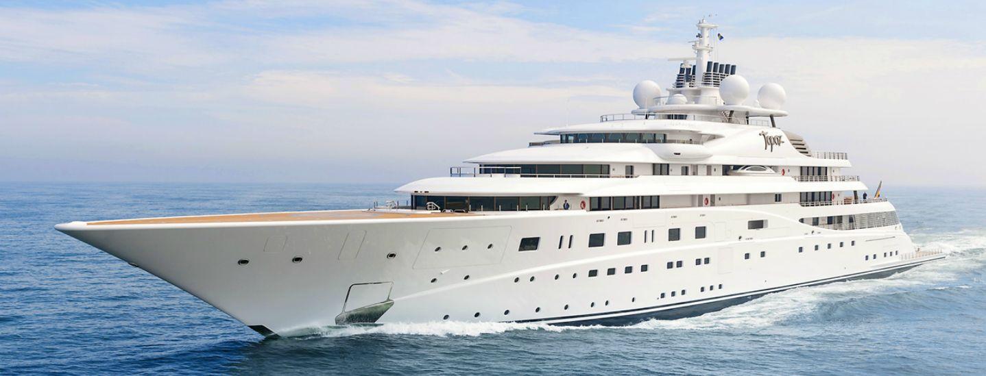 Yacht Topaz