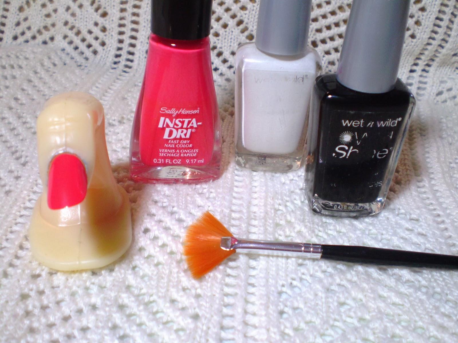 Foxfire\'s Finger Paint: How To: Fan Brush Manicures
