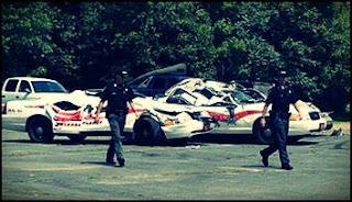 lelaki-mengamuk-hancurkan-kereta-polis