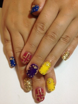 Stylish-Nail-Art-Ideas-for-Fall-2012-2