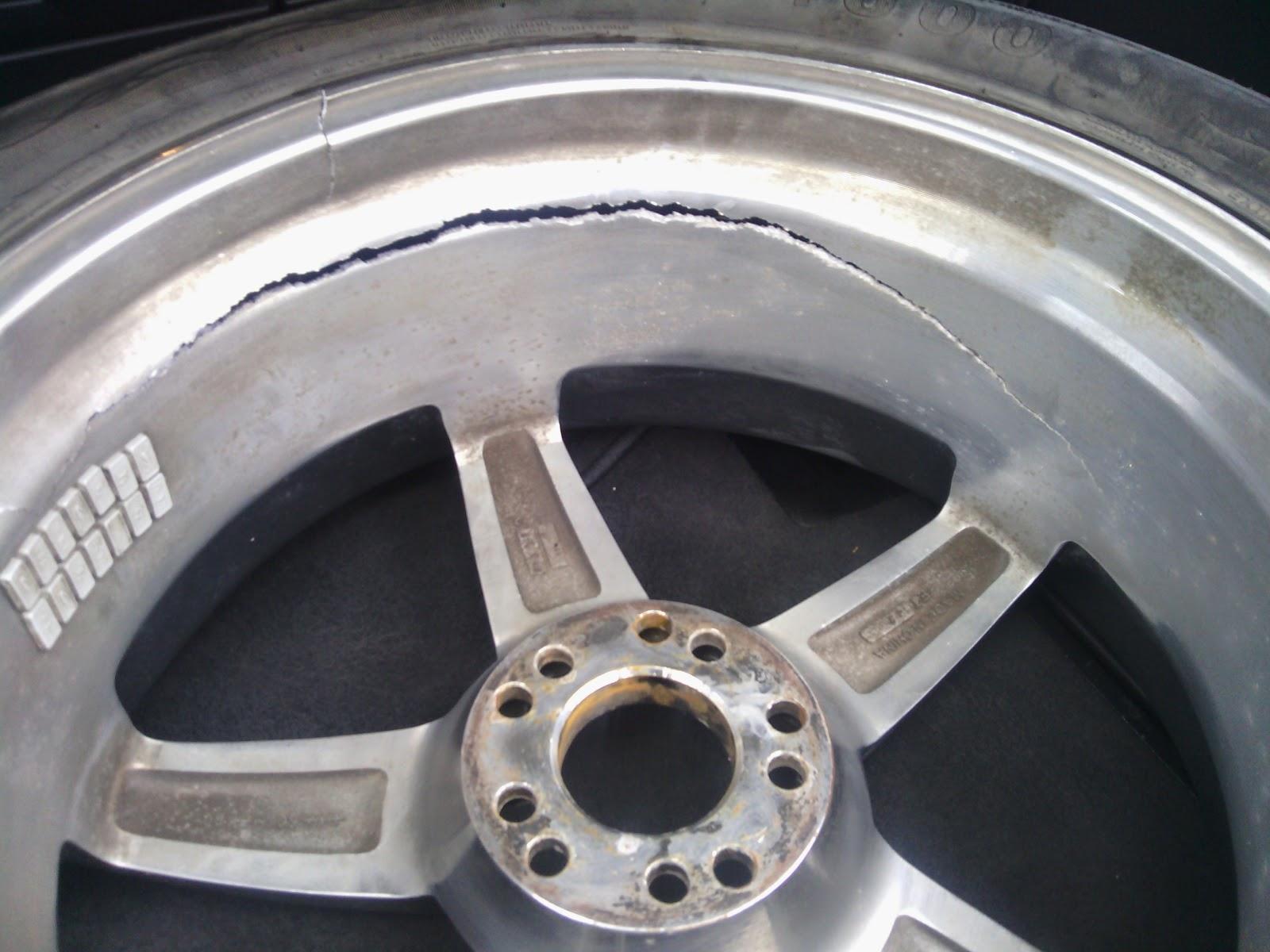 curb rash repair and windshield repair Houston Area and surroundings