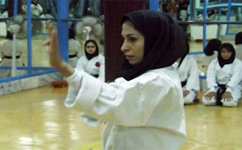 كل التوفيق للاعبات الكاراتيه العرب المسلمات