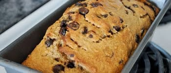 BANANA AND DARK CHOCOLATE CHIP BREAD