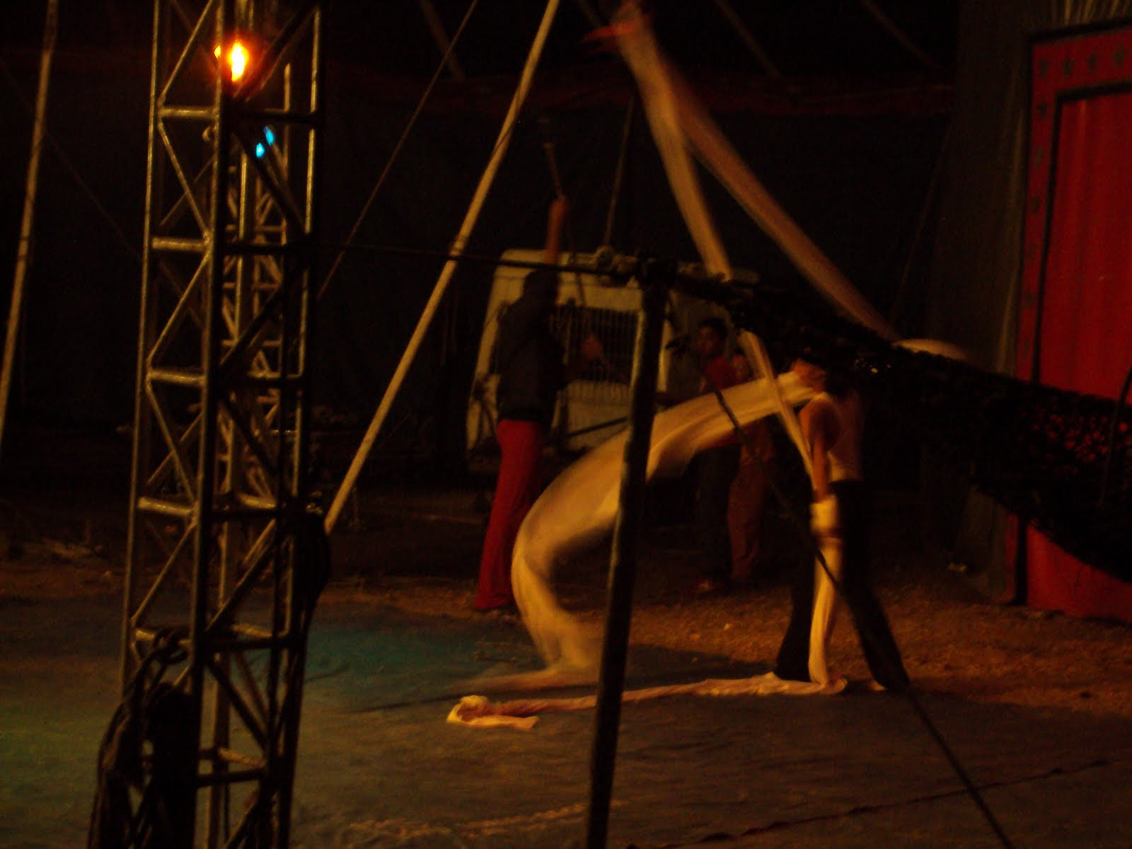 a trip to the circus & Juli in Guatemala!: a trip to the circus