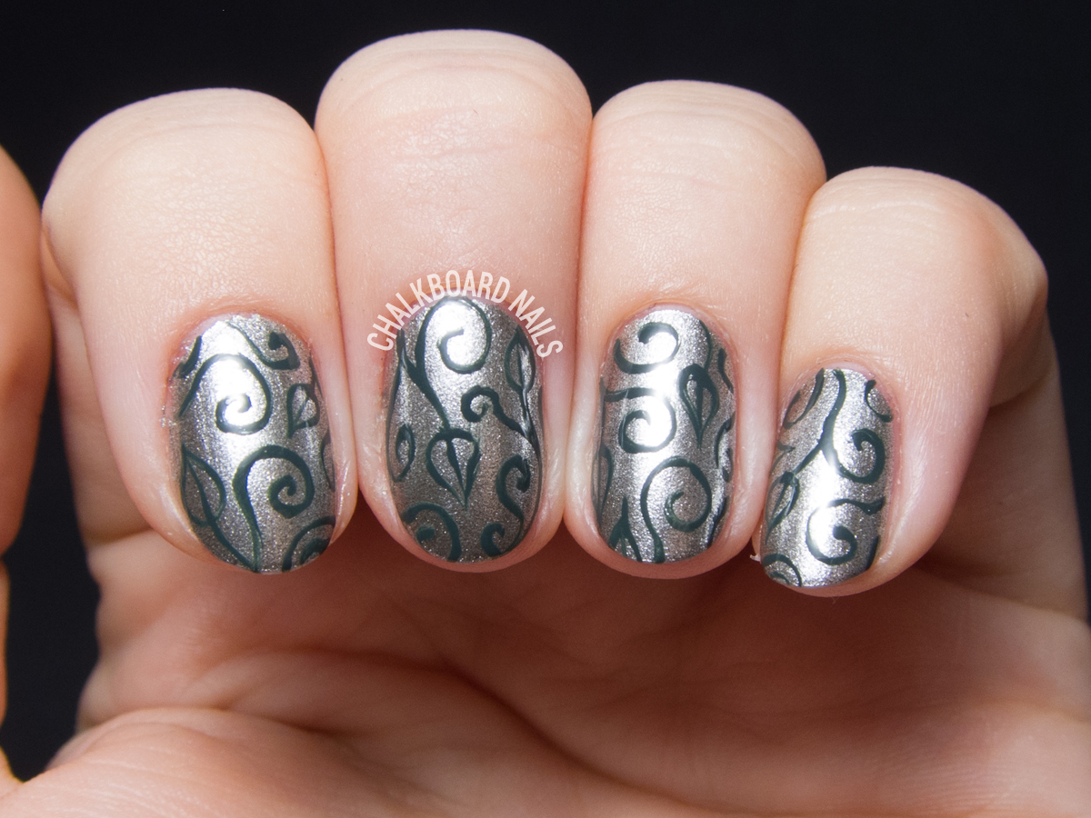 Wrought iron scrolls by @chalkboardnails