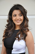 Kajal Agarwal Latest Photos at Yevadu Press meet-thumbnail-8