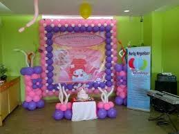 balon dekorasi dan backdrop