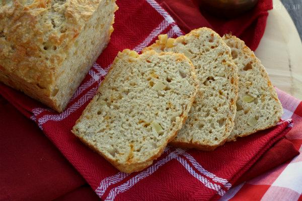 Apple Cheddar Beer Bread