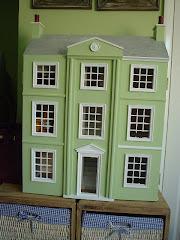 Perfume Doll's House